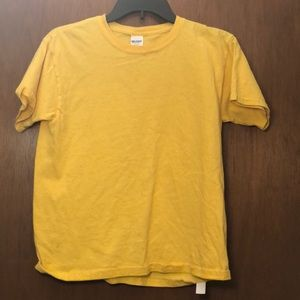 plain yellow t shirt